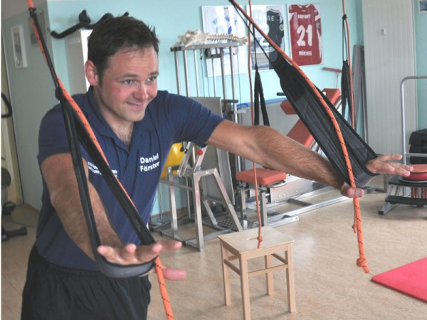 Rehape_Slingtrainer_Anwender_Physiotherapeut_Daniel_Foerster